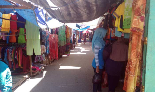 Omzet Pedagang di Tempat Relokasi Pasar Lasem Anjlok
