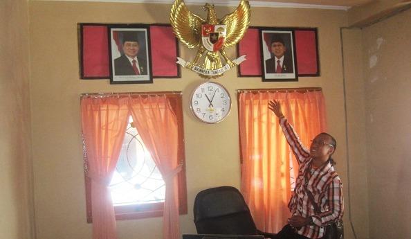 Foto SBY-Boediono yang terpampang di salah satu ruang di DPRD Rembang. (Foto: Pujianto)