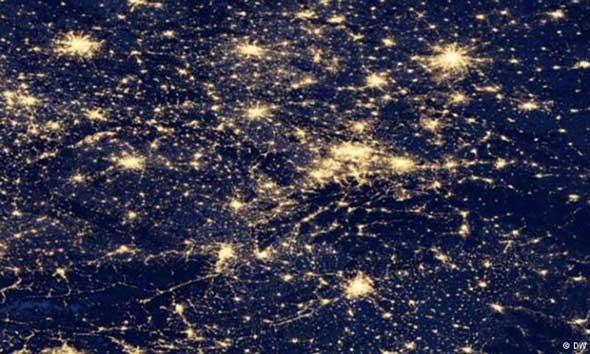 Gebyar Lampu Ternyata Tak Baik untuk Bumi
