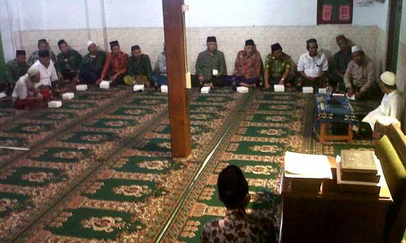 Majelis Syariah dan Tujuh DPC Jatim Sowan Mbah Moen