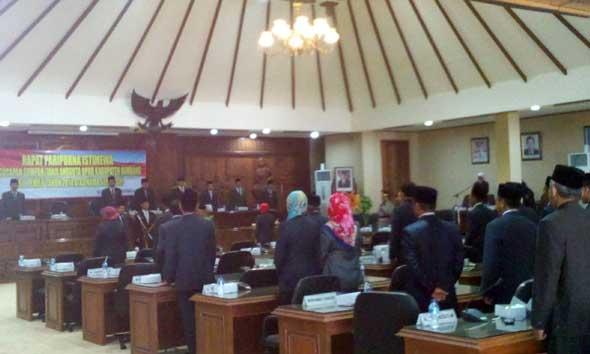 15 Legislator Absen Saat Pelantikan Sumarsih menjadi Anggota DPRD