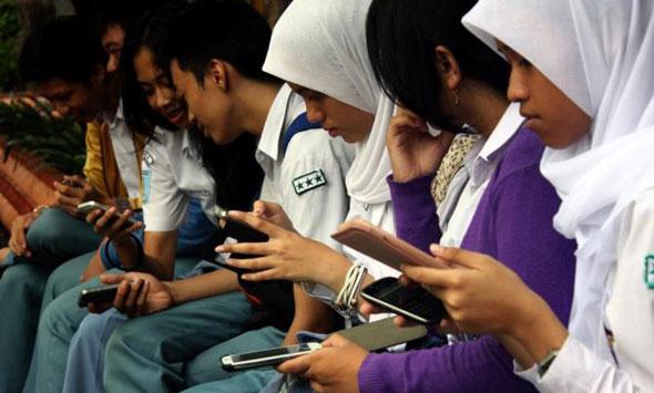 Sekolah Diminta Perketat Pengawasan Ponsel Siswa