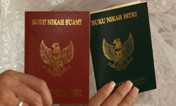 Status Perkawinan di KTP Belum Update, Akta Lahir Terganjal