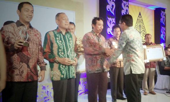Rembang Raih Penghargaan Keterbukaan Informasi
