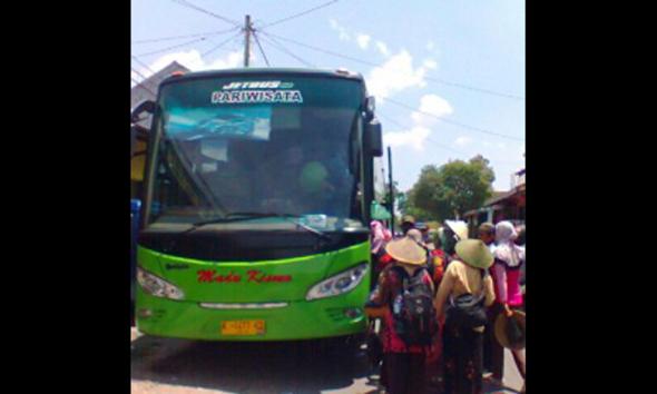 """Masyarakat Penolak Pabrik Semen Rembang """"Road Show"""" ke Jakarta"""