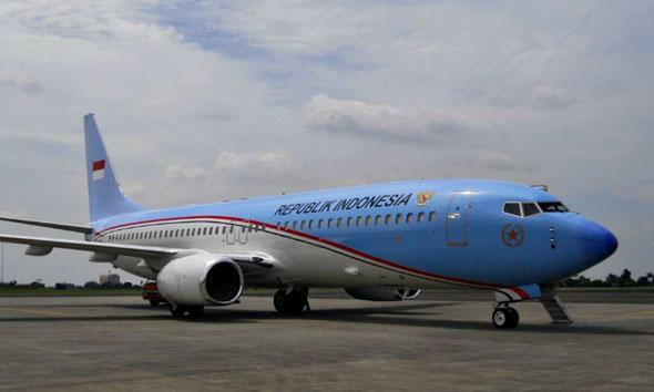 Warna biru dan putih melambangkan keselamatan penerbangan dan kamuflase. (foto:gdb.voanews.com)