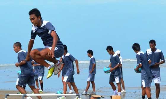 Empat Mantan Pemain PSIR Ikuti Latihan di Stadion Krida