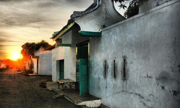 Rumah berlanggam China kuno di wilayah Kecamatan Lasem. (Foto:wikimedia.org)