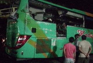 Tiga Penumpangnya Tewas Kecelakaan, Sopir Bus Tersangka