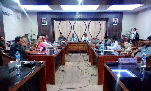 Dijamin DPRD, PKL Alun-alun Rembang Sementara Lega