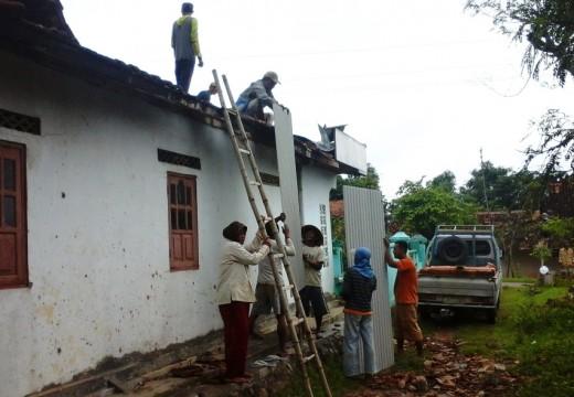 Belasan Rumah Warga di Kampung Dokar Dihajar Lisus