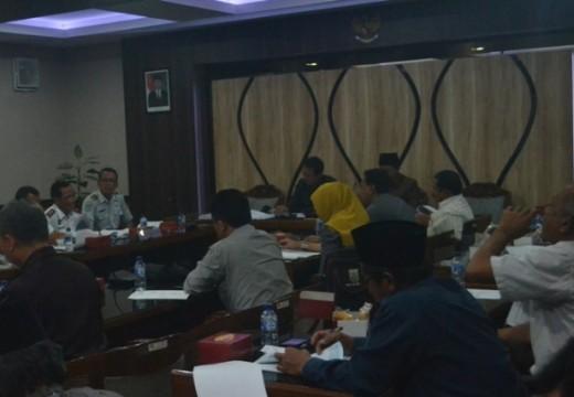 Rapat Pansus Pelabuhan Diwarnai Insiden Pengusiran Wartawan