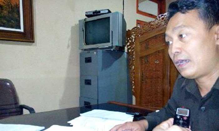 Ketua Pansus DPRD yang membahas Pelabuhan Tanjung Bonang Puji Santoso dalam sebuah perbincangan dengan reporter mataairradio. (Foto: mataairradio.com)