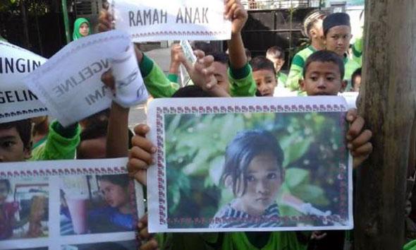 Ratusan Siswa di Lasem Aksi Simpatik untuk Angeline