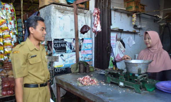 Rembang Bebas dari Peredaran Daging Campur Babi