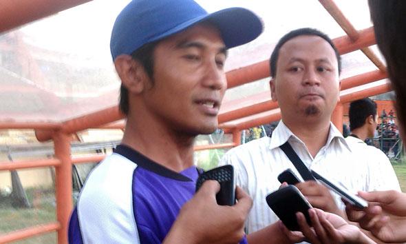 Pelatih sementara PSIR Rudi Sukma. (Foto: Rif)