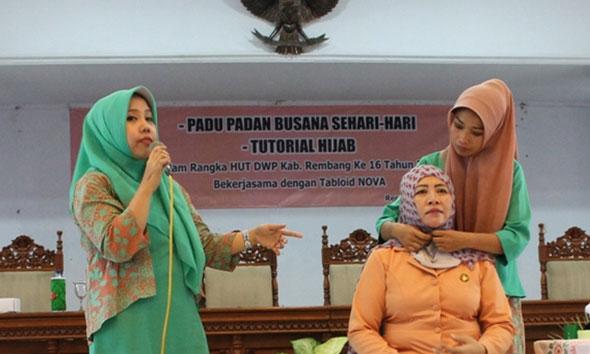 Jelang Ramadhan, Istri PNS Belajar Hijab Modis