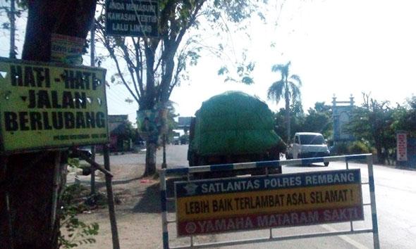 Polisi Dipusingkan Ketidakjelasan Pengurus Truk Mogok Tireman