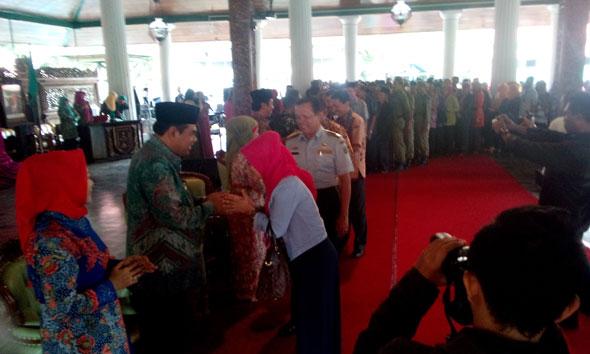 Lepas Jabatan, Hafidz Hadiri Halalbihalal Pemkab Rembang