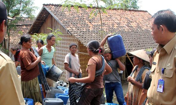 Warga Masih Butuh, Pemkab Setop Bantuan Air