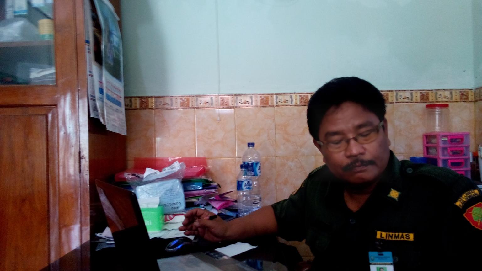 Plt Kepala Kantor Kesbangpolinmas Rembang Romli. (Foto: Pujianto)