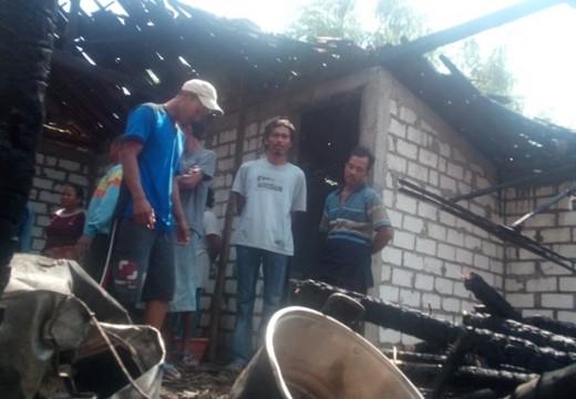 Diduga Korsleting, Rumah Petani di Kuangsan Terbakar
