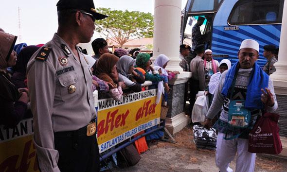 2 Haji Rembang Tertinggal Pulang ke Tanah Air