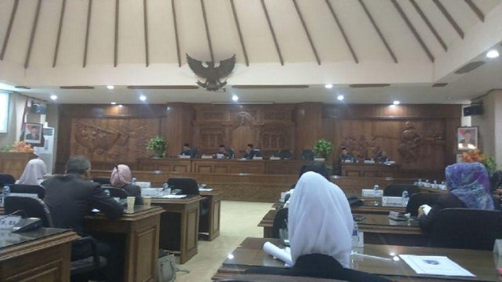 Rapat Paripurna pengesahan RAPBD 2016 Rembang, Rabu (25/11/2015) siang. (Foto: mataairradio.com)
