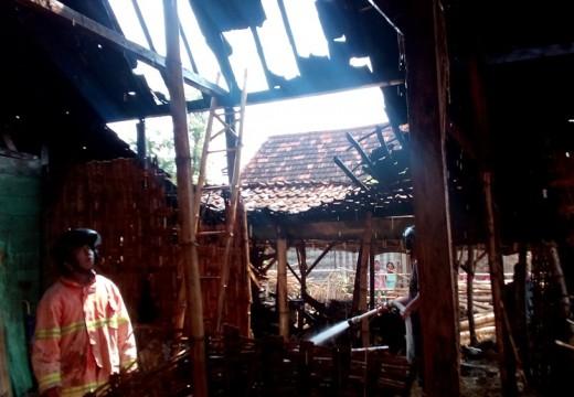 Rumah Petani Terbakar Gara-gara Sisa Api Dapur