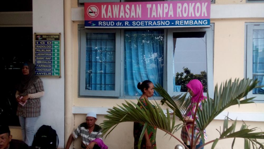 Kawasan tanpa asap rokok di RSUD dr R Soetrasno Rembang. (Foto: Pujianto)