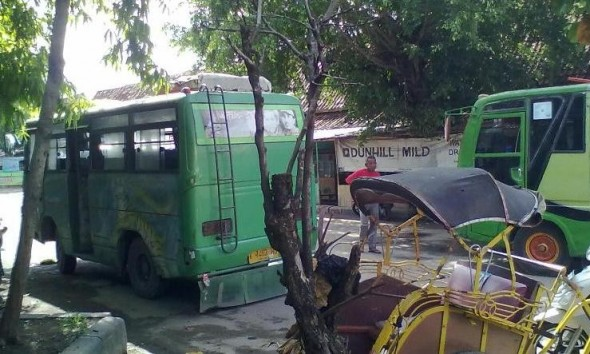 BBM Turun: Minibus Ragu, Angkudes Ogah Pangkas Tarif
