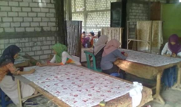 Pasar Batik Tulis Lasem Lesu Awal Tahun