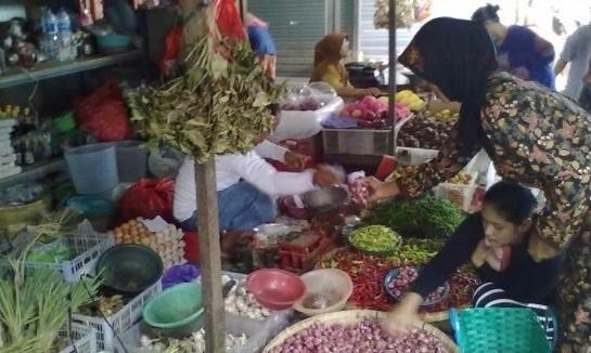 Jelang Natal, Harga Sembako di Rembang Naik