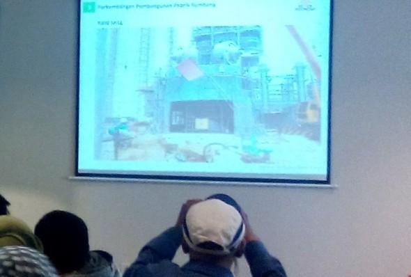Progres pembangunan pabrik semen milik PT Semen Indonesia (Persero) Tbk di Rembang, 17 Desember 2015. (Foto: Pujianto)