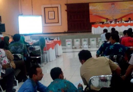 Pleno Rekap Hasil Pilkada Rembang Diwarnai Protes