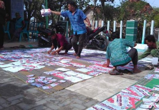 Surat Suara Basah, Pilkada Dua TPS Kaliori Tersendat