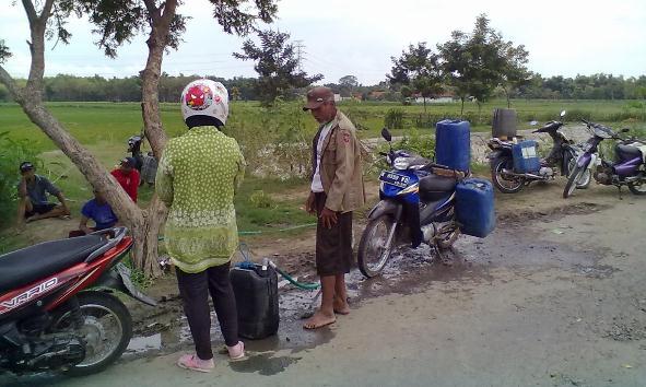 Hujan Tersendat, Rembang Kembali Krisis Air Bersih