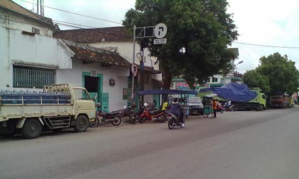Parkir Bahu Jalan Marak, Cabut Pentil Diusulkan