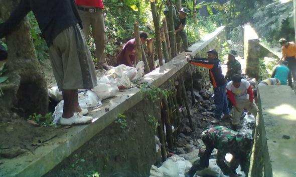 Antisipasi Banjir Tanggul Sodetan Sungai Kemadu Dibenahi
