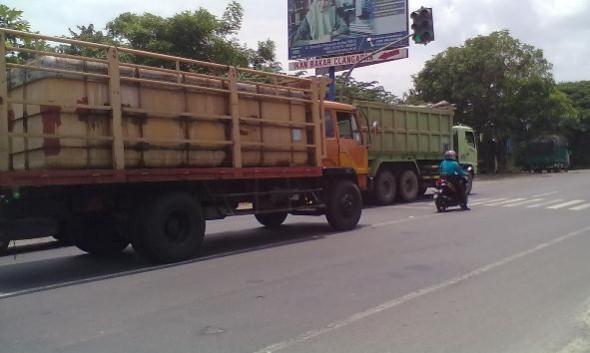 Rambu Tak Dihiraukan, Tiga Traffic Light Tak Efektif
