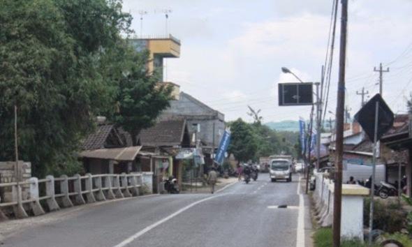 Jembatan Pamotan Rembang. (Foto: cbfmrembang.blogspot.com)