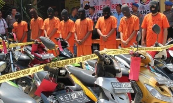 """Rembang Jadi Pembuangan Motor """"Bodong"""""""