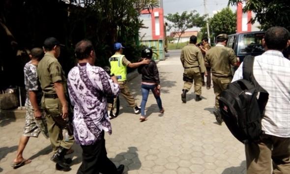 12 Orang Mesum Diamankan termasuk Satu Anggota Polisi