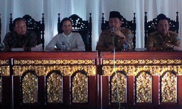 Menteri BUMN Tinjau Pro-Kontra Pabrik Semen Rembang