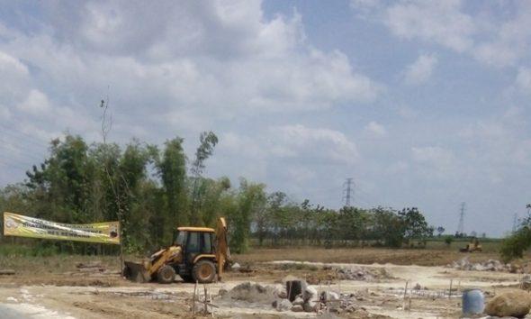 Lokasi perumahan Polres Rembang di sebelah selatan Lapangan Desa Sendangagung, masuk wilayah Desa Gunungsari Kecamatan Kaliori, sedang dalam proses penyiapan hunian, Ahad (21/8/2016). (Foto: Pujianto)