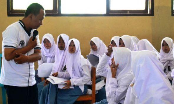 FWR Keliling Kecamatan Beri Pelatihan Jurnalistik Sekolah