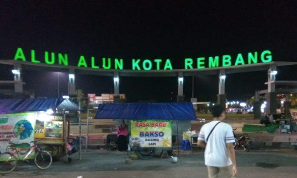 PKL Nakal akan Dikeluarkan dari Alun-alun Rembang