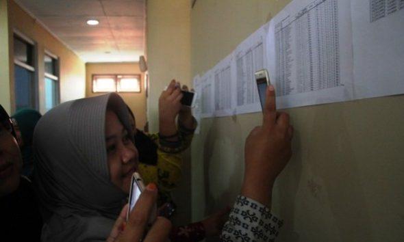 Lima Bidan PTT Rembang Gagal Jadi ASN