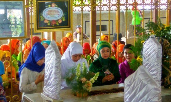 Perjalanan Menteri Sosial Peringati Hari Kartini di Rembang