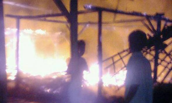 Dua Rumah dan Lansia Tuna Netra Tewas Terbakar